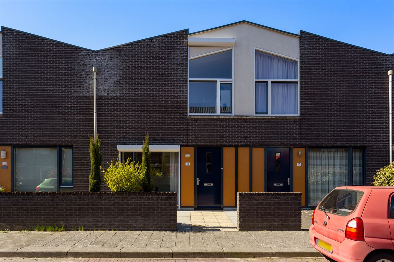 Bekijk foto 1 van Moriaanstraat 18