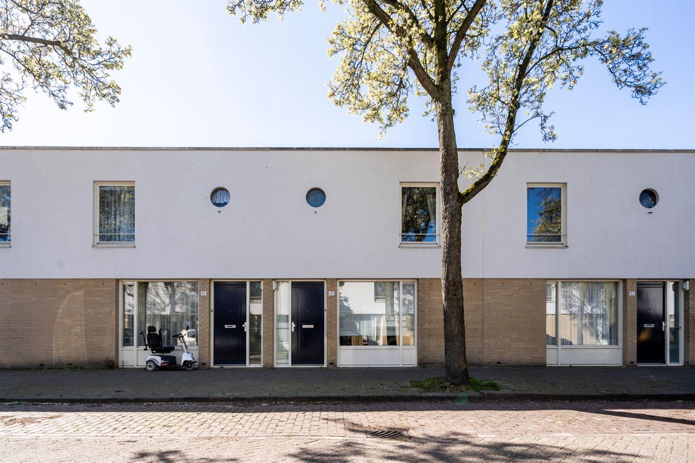 View photo 1 of Van Hessen-Kasselstraat 47