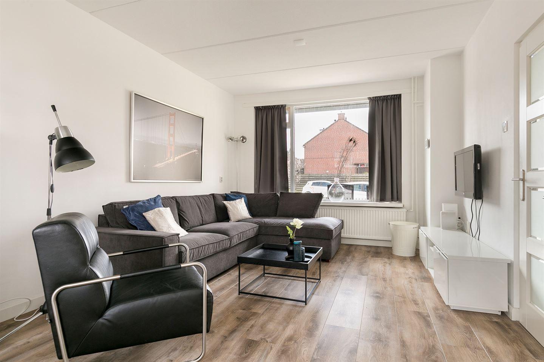 Bekijk foto 2 van Graaf Willemstraat 68