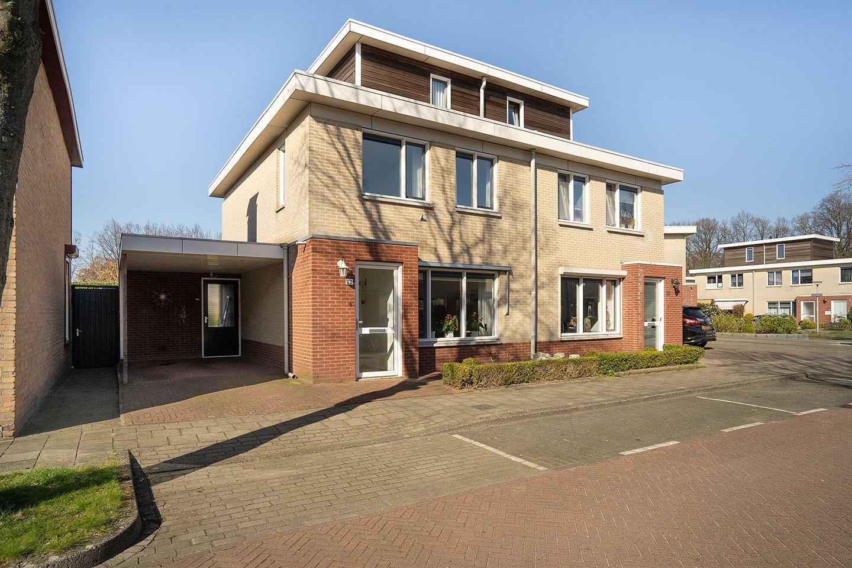 Bekijk foto 1 van Pastoor Meijerstraat 22