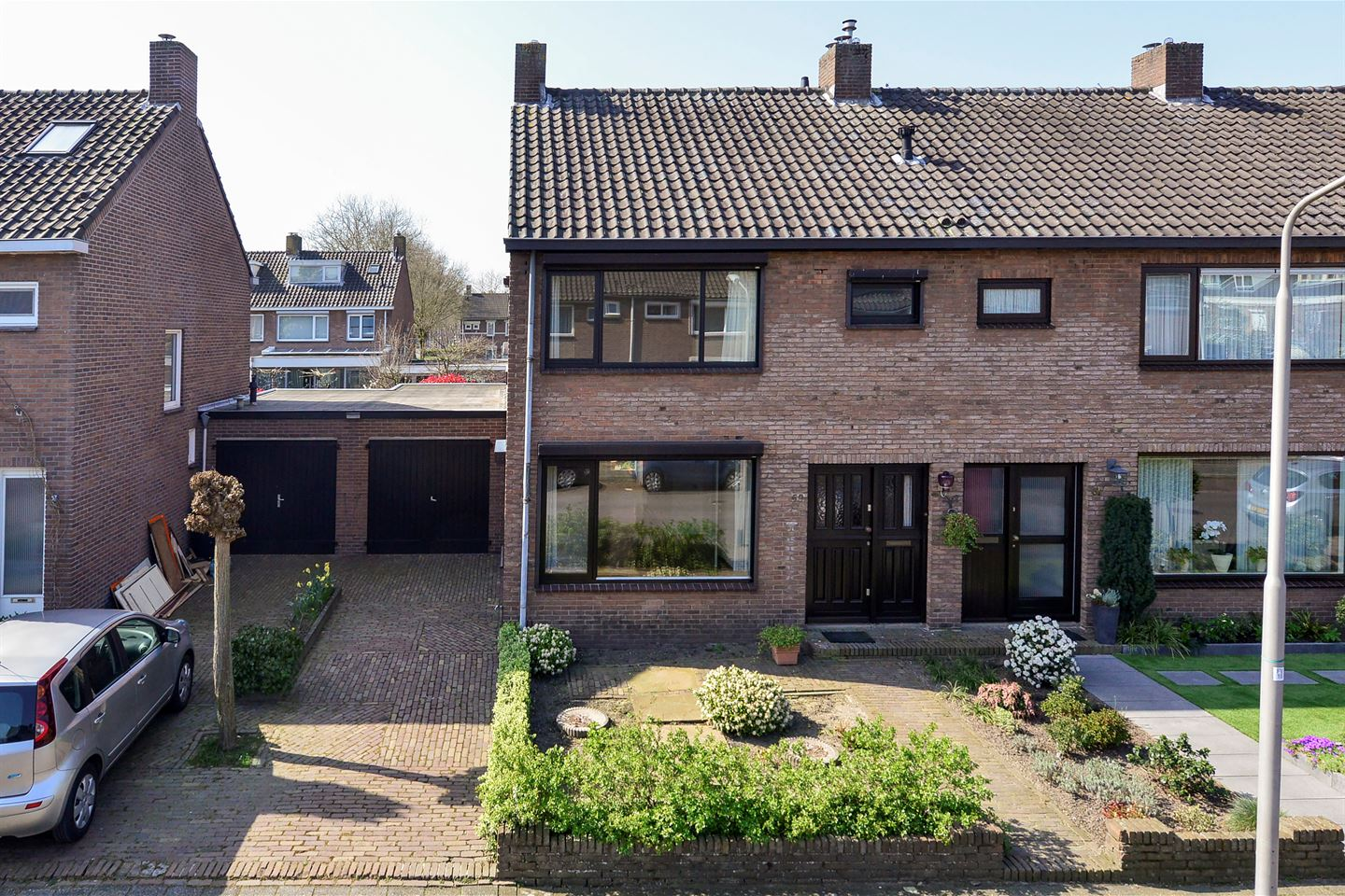 View photo 1 of Zonstraat 59