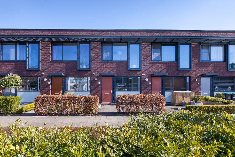 Bekijk foto 1 van Van Riebeekstraat 67