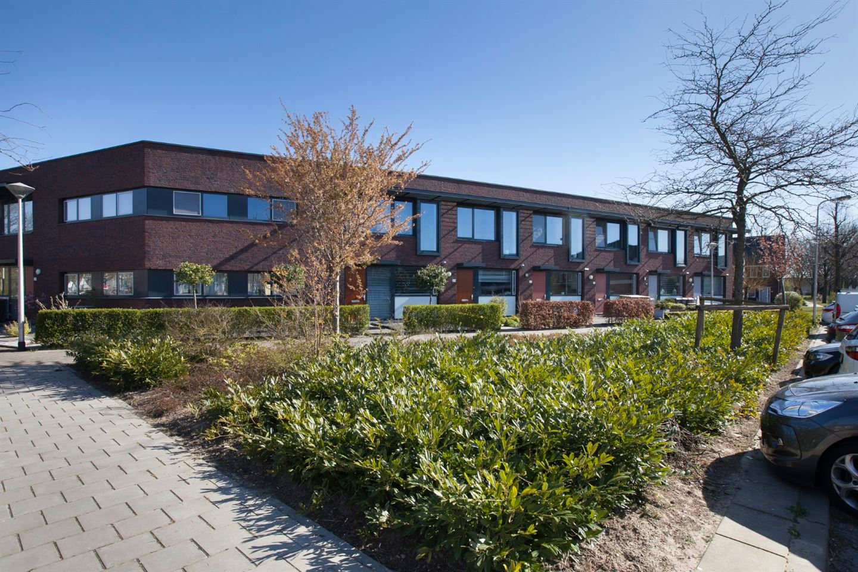 Bekijk foto 2 van Van Riebeekstraat 67
