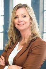 Helga de Haan-Wichers (Real estate agent assistant)