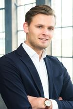 Tom de Haan (Sales employee)