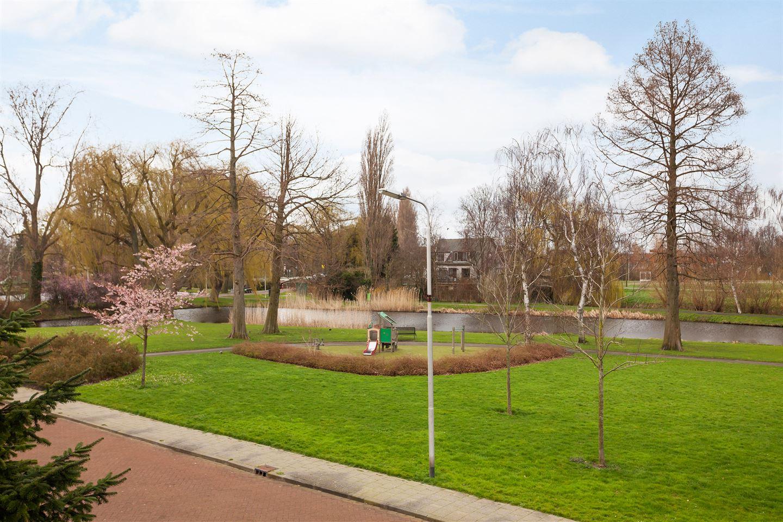 Bekijk foto 3 van Huijgenslaan 9