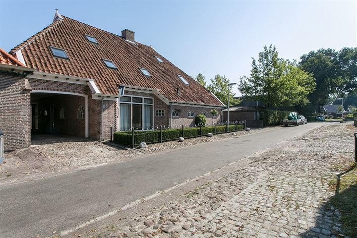Middenstraat 2 A