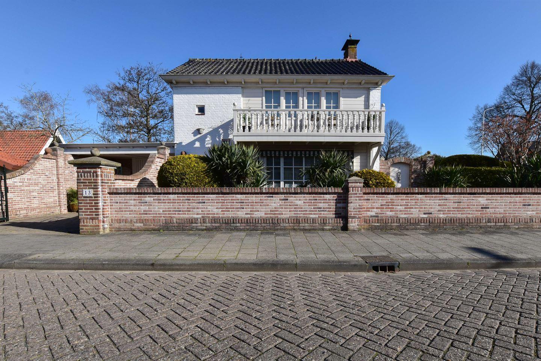 View photo 1 of Unastraat 13