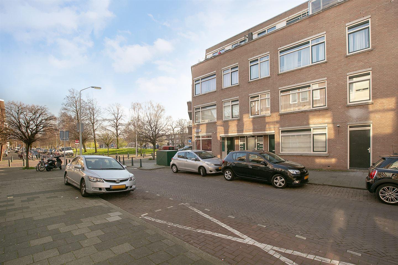 Bekijk foto 2 van Deimanstraat 49