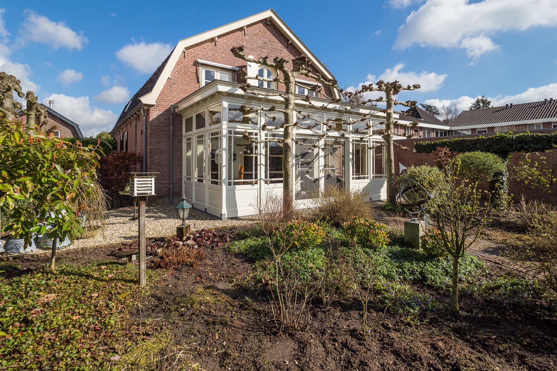 Bekijk foto 3 van Burgemeester van den Boschstraat 108