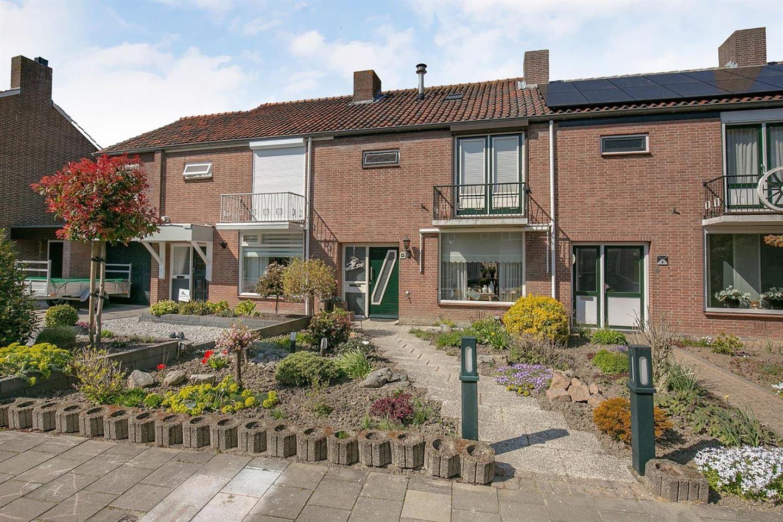 Bekijk foto 2 van Jan van Bloisstraat 10