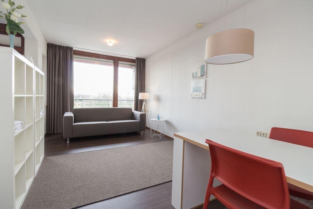 Bekijk foto 1 van Wassenaarseweg 76 600