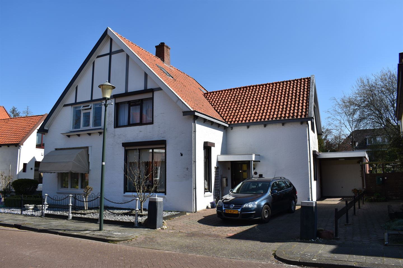 Bekijk foto 1 van Oranjestraat 9