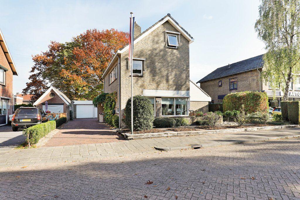 Bekijk foto 1 van Arnhemseweg 297
