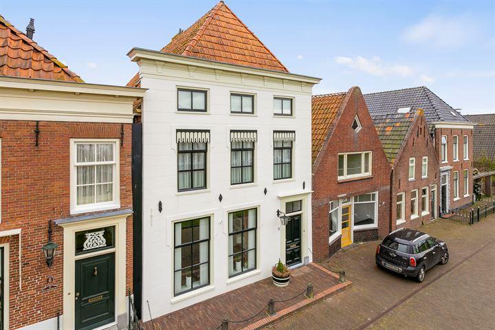 Voorstraat 8