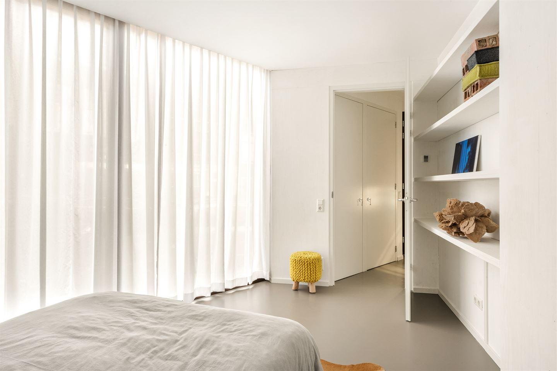 Bekijk foto 3 van Willemsstraat 2