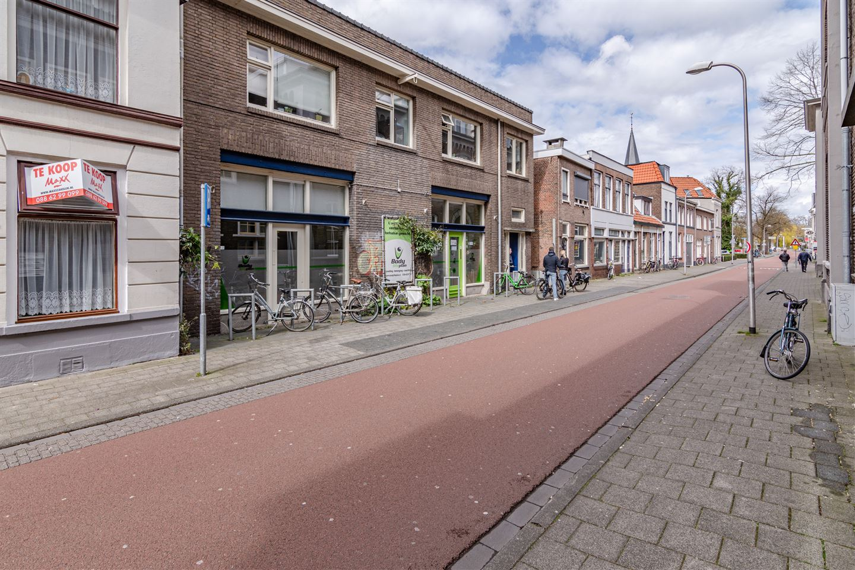 Bekijk foto 2 van Van Karnebeekstraat 54
