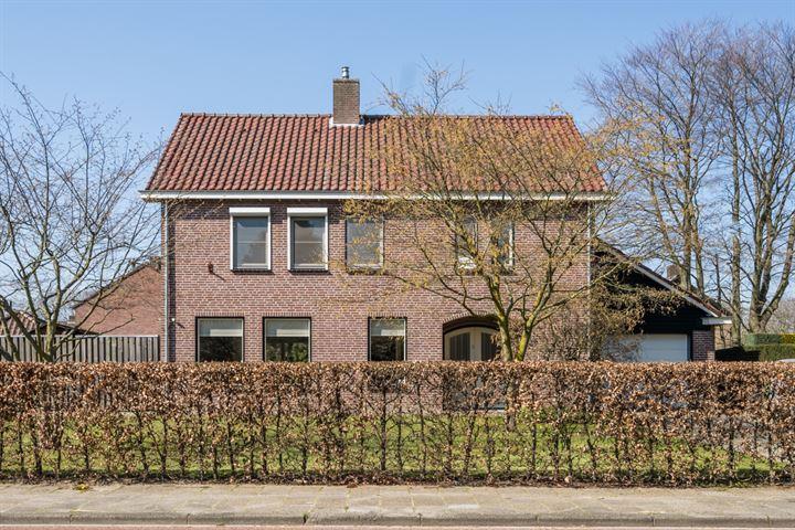 Burg. Van Houtstraat 39