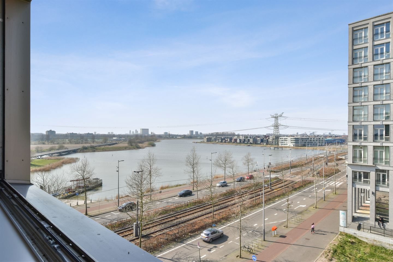 Bekijk foto 2 van Johan van der Keukenstraat 26