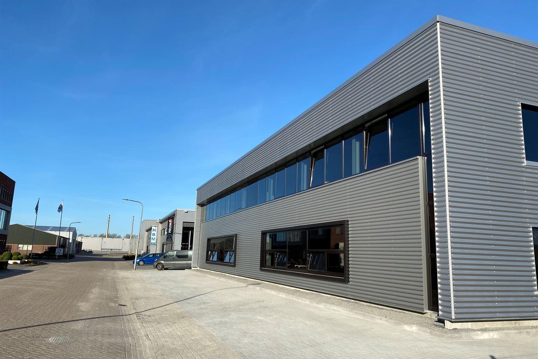 Bekijk foto 2 van Spoelstraat units van 150 m²