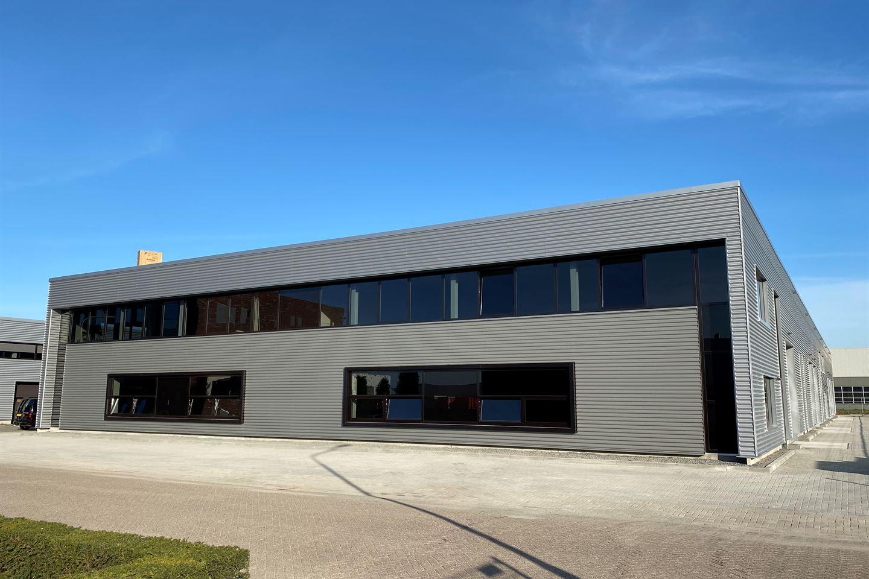 Bekijk foto 1 van Spoelstraat units van 150 m²