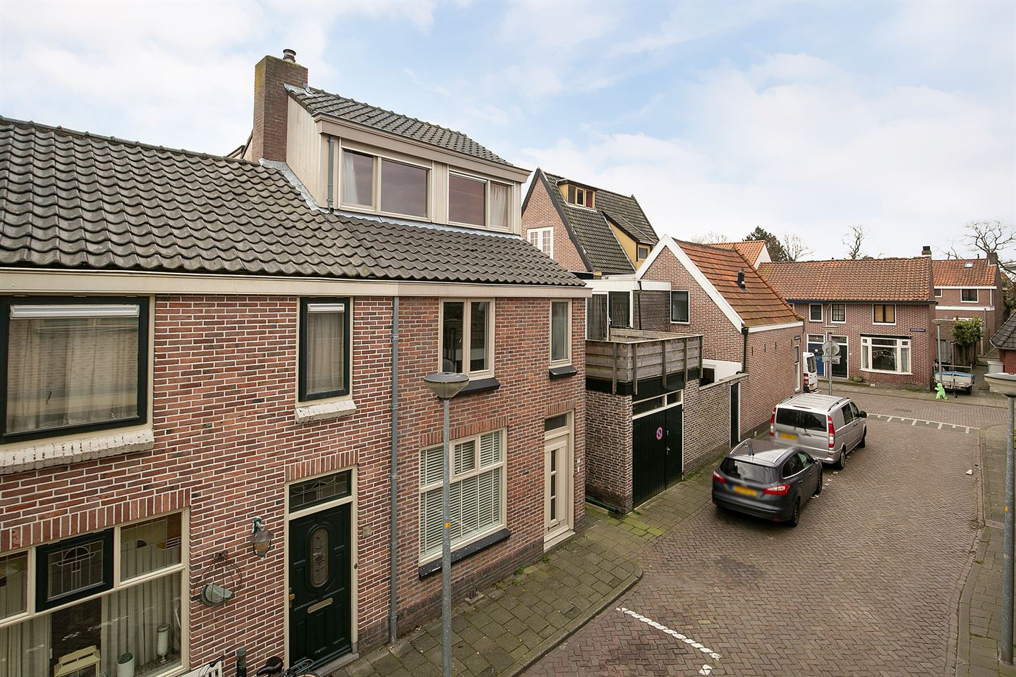 View photo 2 of Waterschapstraat 2