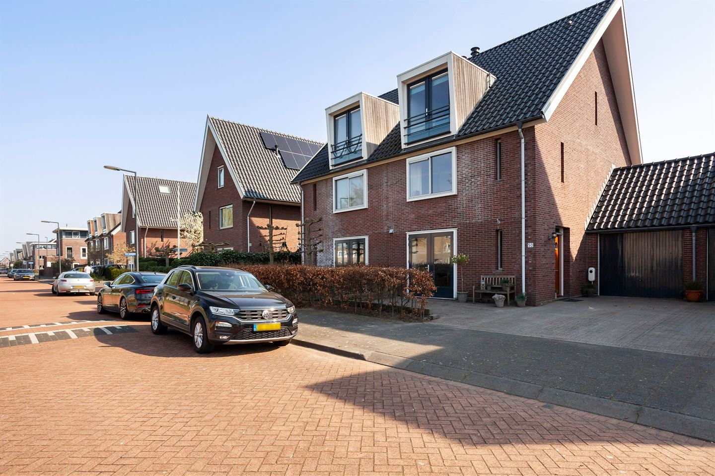 View photo 1 of Piet Mondriaansingel 50