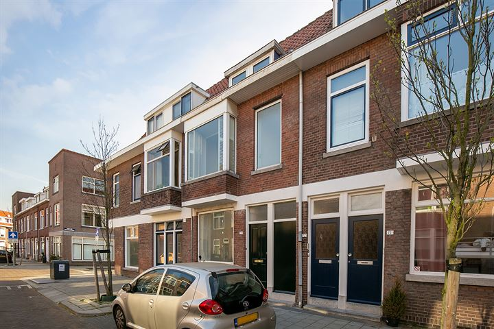 J A Alberdingk Thijmstraat 74