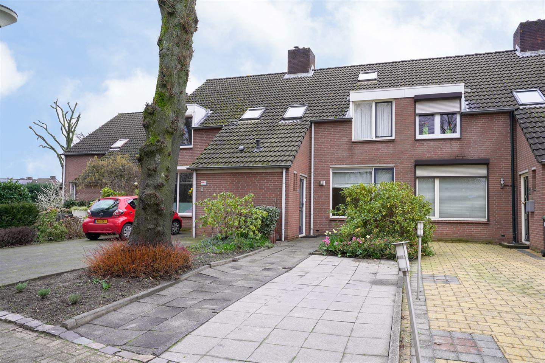 Bekijk foto 1 van Joseph Hanöverstraat 6