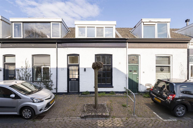 Bekijk foto 1 van Adriaan van Altenastraat 24