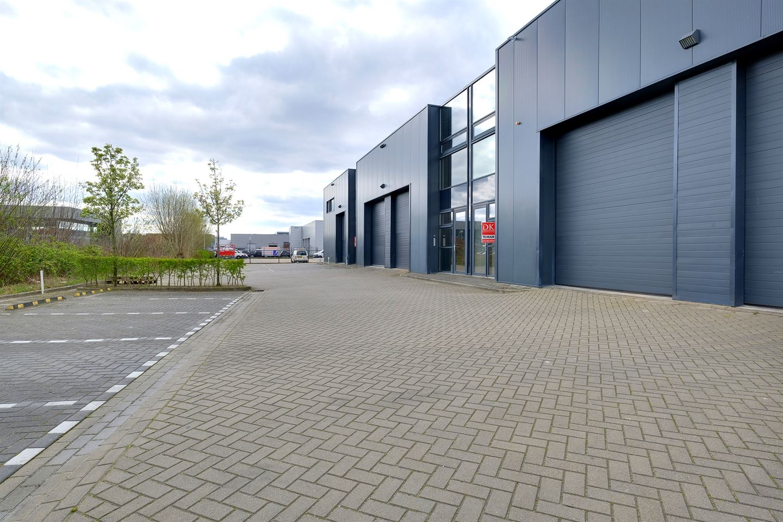 View photo 2 of Florijnweg 21 C