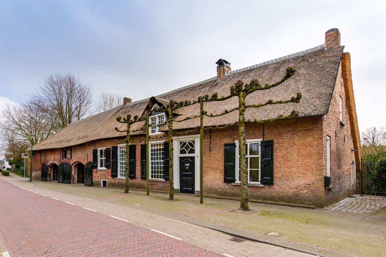 View photo 1 of Heuvelstraat 6