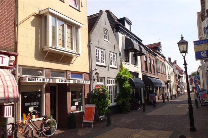 Hoogstraat 28