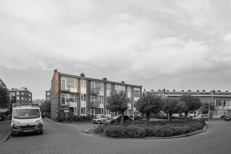 Bekijk foto 2 van Uhlenbeckstraat 19