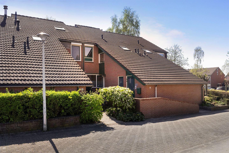Bekijk foto 1 van Kapelaan Heggestraat 44