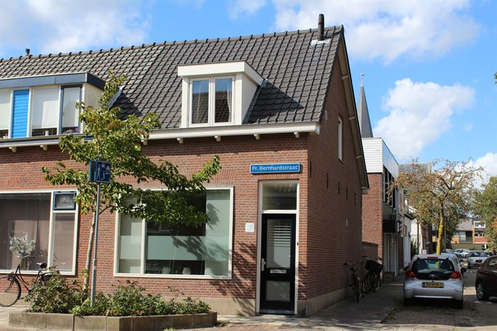 Prins Bernhardstraat 2