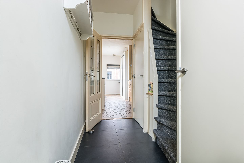 Bekijk foto 3 van van den Hummelstraat 9
