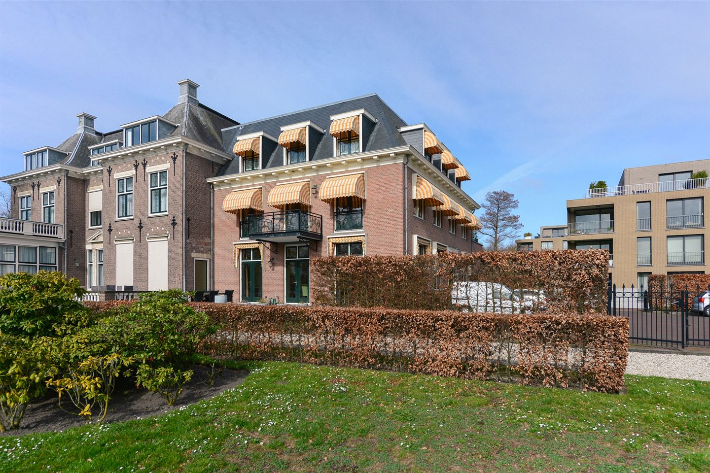 View photo 1 of Arentsburghlaan 1 B