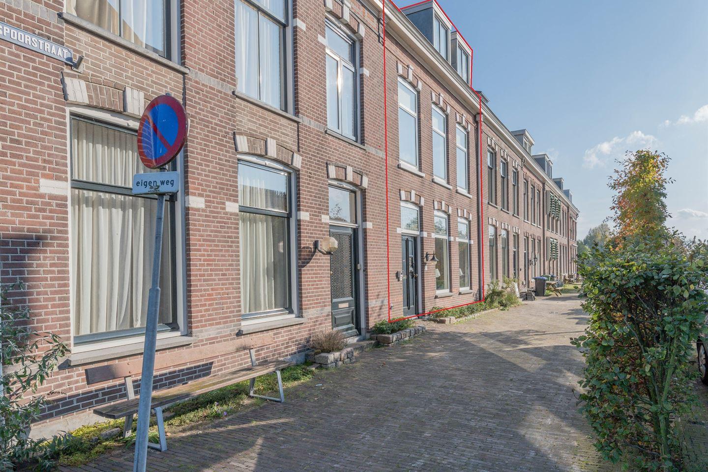 Bekijk foto 1 van Spoorstraat 2