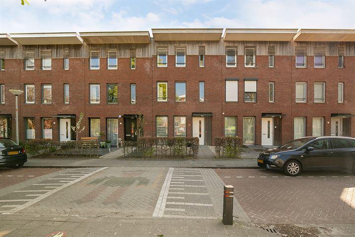 Admiraal de Ruyterstraat 19
