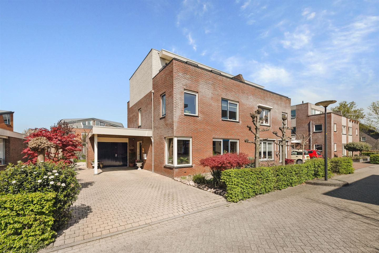 View photo 1 of Kees van Baarenstraat 9