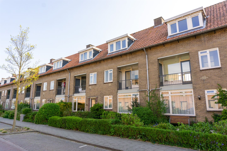 Bekijk foto 1 van De Ruyterstraat 91