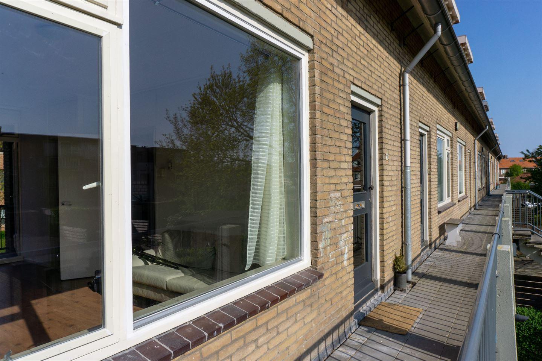 Bekijk foto 2 van De Ruyterstraat 91