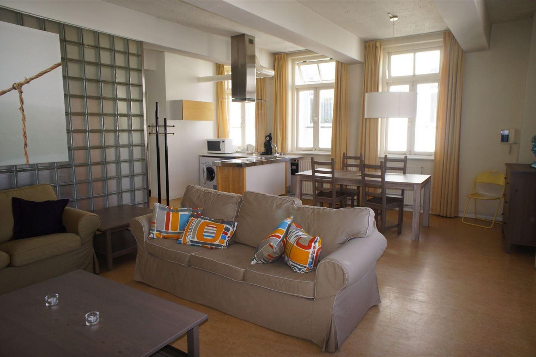 Bekijk foto 2 van De Ruijterstraat 94 B