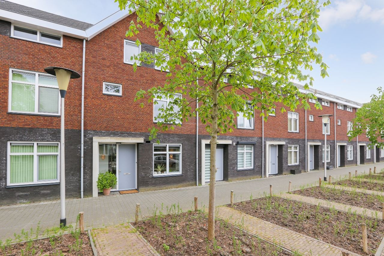 Bekijk foto 1 van Hermelijnstraat 32