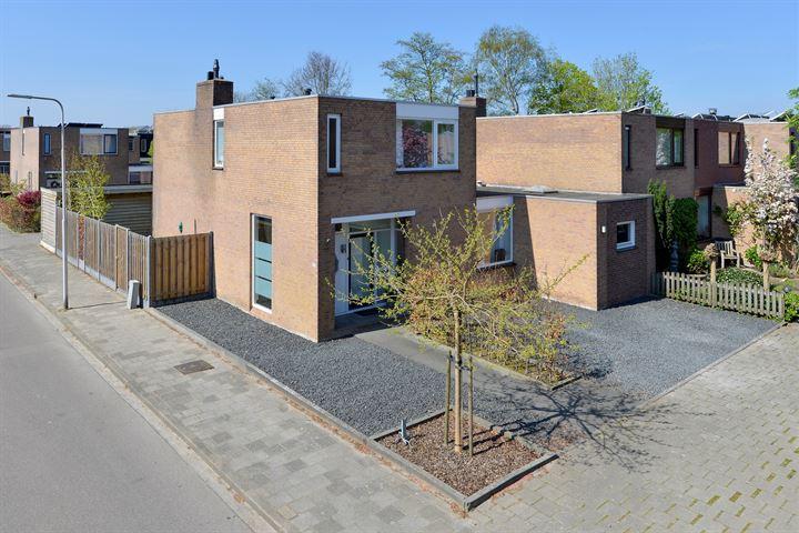 A.G.M. van der Hoevenstraat 77