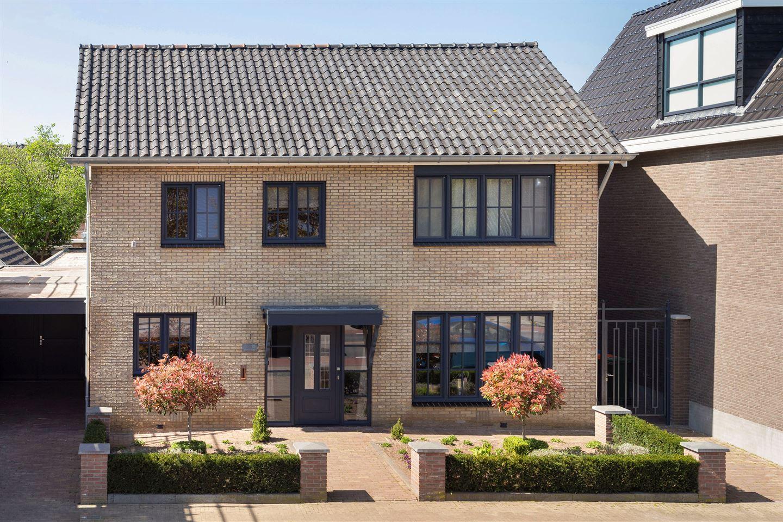 Bekijk foto 1 van Pastoor Ossestraat 15