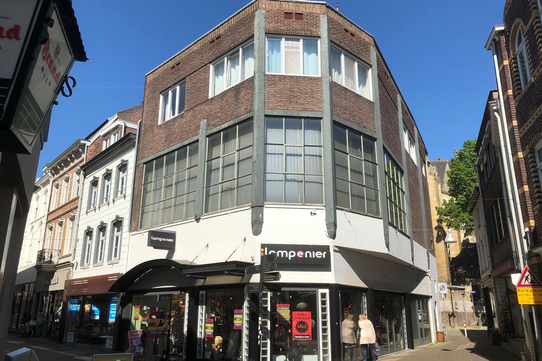 Bekijk foto 1 van Limbrichterstraat 31