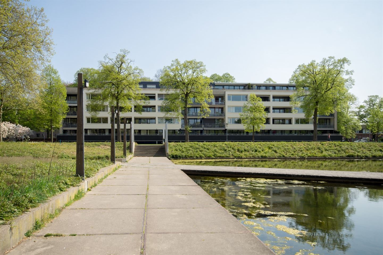 Bekijk foto 1 van Henriette Ronnerstraat 24