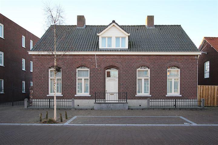 Dorpsstraat 13